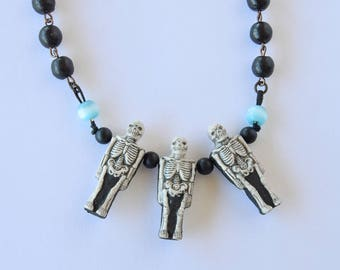 Skeleton Necklace / Skull / Beaded Black Necklace / Gift For Her / Goth Necklace / Black and White /Ceramic Skull Pendant/Halloween Necklace