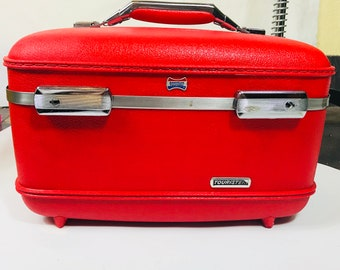 Vintage 1960s American Tourister Train Case in Red!