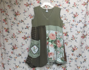 Upcycled Summer T-Shirt Tank Dress , Boho Shabby Chic Patchwork Tunic , Artsy Appliqué , English Garden French Country