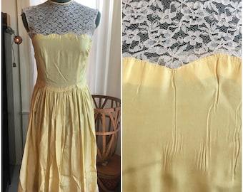 50's Pastel Yellow Prom Dress