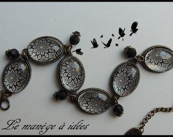 Bracelet / Cabochon / glass/Metal/Bronze adjustable, Chic, Vintage black rosette.