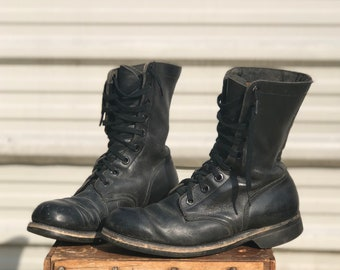 8 R   Men's Vintage 1960's Combat Boots Military Lace Up Boots Dated 1968