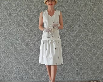 Pretty off white cotton dress with floral embroidery, 1920s white day dress, white Great Gatsby dress, 1920s tea dress, Roaring 20s dress
