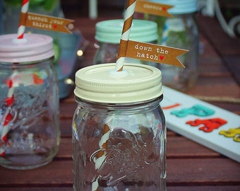 Ball Mason Glass Drinking Jar with Vintage Style Cream Lid, Paper Straw & Greeting Flag **UK SELLER**