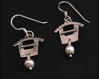 Pagoda Earring Sterling Silver with Pearl