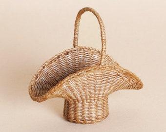 Dollhouse miniature, Wicker, basket, scale 1 : 12, WC/902