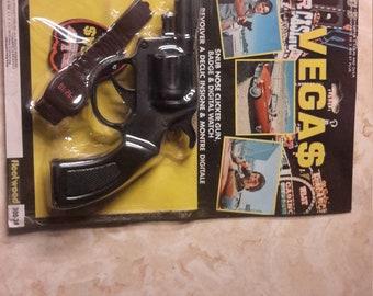 Vegas Robert urich tv show clicker gun,watch and badge moc 1978