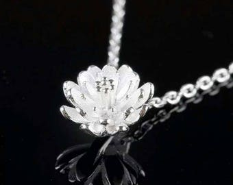 Silver 'Lotus Flower' Necklace
