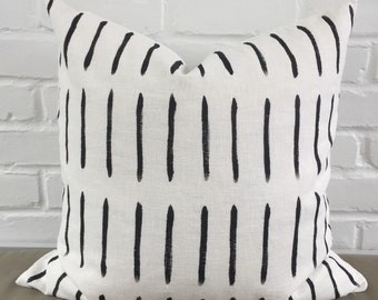 """Pillow Cover - Black Lines / 20""""x20"""""""