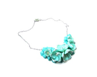 Gorgeous Unmarked Silver Tone, Clear Rhinestone, & Teal / Blue Colored Shell Flower / Flower Shell Vintage Choker Necklace