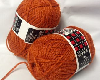 10 balls of wool /paprika/ made in France