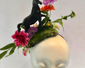 Horse Fascinator- Horserace Fascinator- Derby- Horse headband- Floral fascinator- Headdress NY- Derby- Fascinator- Polo Classic Fascinator