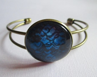"""""""Blue and Black Lace"""" bracelet setting, costume jewelry"""