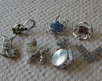 Vintage brooch lot, 7 vintage brooches, scatter pins,dogs and flowers crystal brooch lot, vintage jewelry