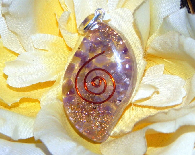 CROWN CHAKRA Orgone pendant - Handcrafted gemstone Reiki Crystal Necklace - Amethyst Tibetan Quartz copper