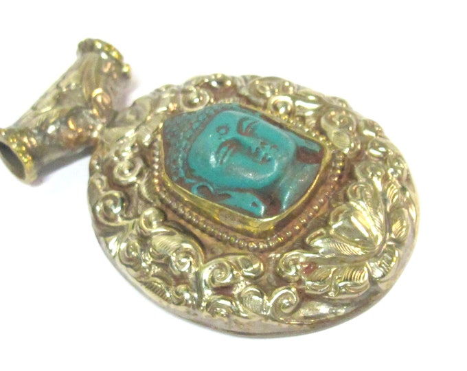 1 Pendant - Large Tibetan antiqued silver color green Buddha pendant with Lotus flower carving  - PM336M
