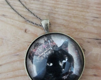 Black Cat Necklace - Cute Necklace - Pet Portrait - Canadian Sellers - Photo Jewelry -  Animal Photography - Canadian Shops - Queen Cora