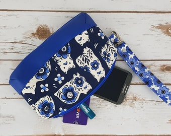 Cat Lover Wristlet Clutch - Blue Wristlet - Mother's Day Gift for Her - Blue Willow Cats Clutch - Cell Phone Wristlet - Cell Phone Wallet