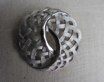 Vintage Silver Tone Crown Trifari Weaved Swirl Pin/Brooch Round Brushed Look 1950s to 1960s