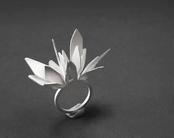 Flower Silver Ring, Sterling Silver Statement Ring, Floral Ring, Leaves Ring, Gift for her, Anniversary Gift, Botanical Jewelry