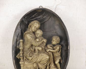 3D Virgin Mary Madonna Della Sedia Seggiola Chalkware Wall Plaque - Excellent Condition!