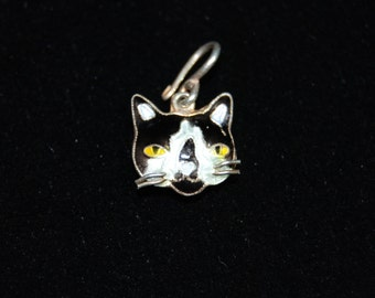 Vintage Sterling Silver Enameled Tuxedo Kitty Cat Face 3D Pendant Charm #BKC-KCHRM113