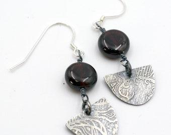 Garnet Earrings, Garnet Jewelry, January Birthstone, Silver Earrings, Drop Earrings, Birthstone Earrings, Unique Earrings, Statement Earring