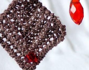 Earrings of beads and bamboo yarn