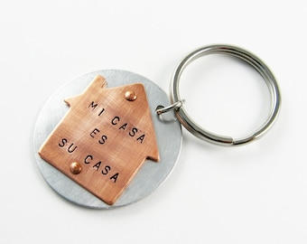 House Keychain with Spanish Quote for Real Estate Visitor - Mi Casa Es Su Casa - Optional Personalization - Vacation Gift