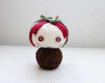 Russian nesting doll, Amigurumi matryoshka, babushka doll, amigurumi girl, red hair, ready to ship, hand knit, knit doll