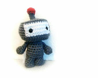 Robot amigurumi crochet toy (6 inch) Red Light Robot Ratlles Softly!