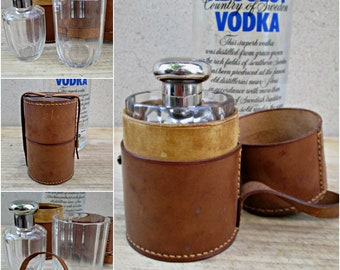 Vintage hip flask travel set , leather travel whiskey flask glass  , traveling  whisky flask in leather case.Vintage Travel Flask Set.