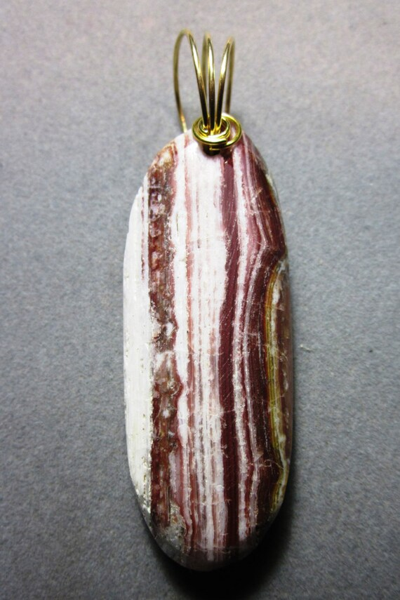 Bacon Opal Pendant cream rusty red, brass twirl bail 90ct