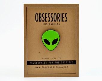 """Green Alien Pin Alien Head Soft Enamel Lapel Pin Game Brooch 1"""" Pinback Button Badge Alien Accessories Alien Jewelry Alien Gift 90s Grunge"""
