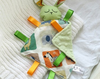 Bunny Comforter Green Animals, Taggie Blanket, Comfort Blanket, Baby Blanket, Baby Toy, Taggy Toy, Newborn Gift, New Baby Gift, Ribbon Toy