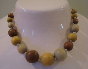 Necklace simple round wooden beads