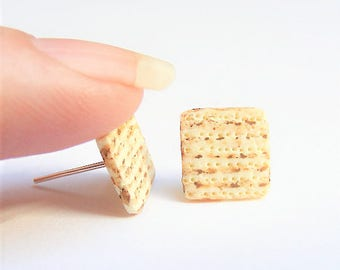Food Jewelry matzah earrings, matzo earrings, passover jewelry, matzah jewelry, Miniature Food Earrings, Miniature Food Jewelry, Mini Food