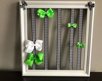 Organizer bow clip