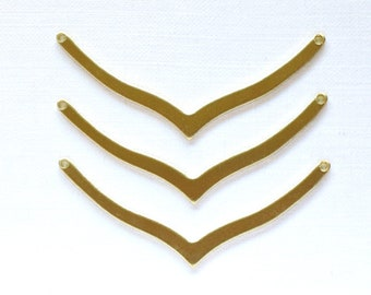 6 CHEVRON geometric jewelry pendants in brass. 42mm x 3mm (S41).