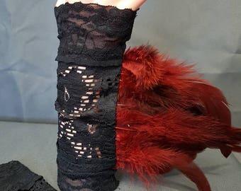 Armstulpen gothic spitze mit Federn / cuffs lace feathers