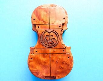 Violin Rosin in Strad wood box