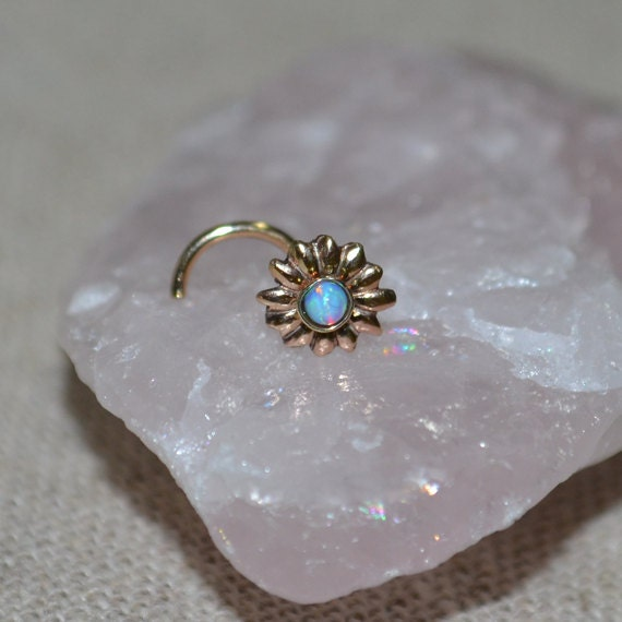 Opal Nose Stud - Gold Flower Nose Ring 16 gauge - Tragus Earring - Cartilage Earring - Forward Helix Earring - Nose Screw - Nose Piercing