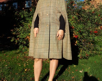 vintage 70s Houndstooth wool check plaid print pattern// winter coat cape poncho