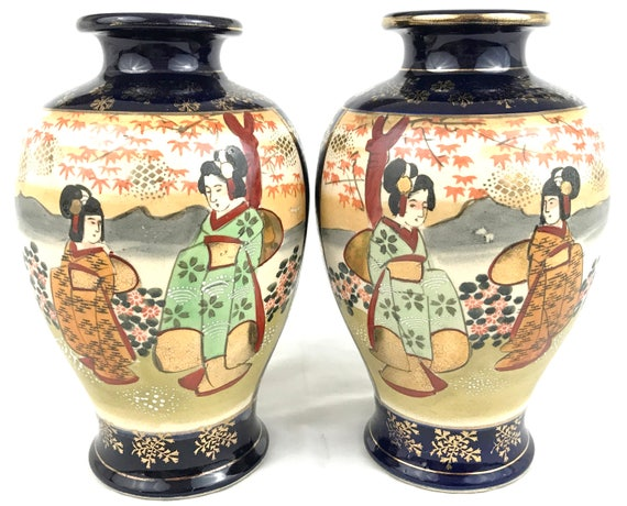 Striking Pair Of Vases Japanese Vases Satsuma Ware 20th
