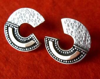 Balinese Sterling Silver stud Earrings / silver 925 / gold  / silver 925 / Bali handmade jewelry / 1 inch / (#197m)