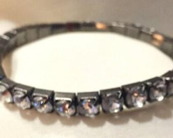 Vintage Large Swarovski CRYSTALS Expandable Silver Bracelet Bangle 1879-4