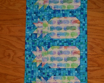 "Handmade Quilted Table Runner / Topper  Pineapples 28""x14"""
