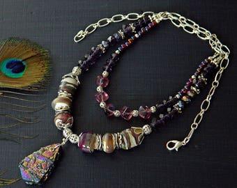 Lila Boho Kette Titan Druzy Halskette Artisan Lampwork Druzy Anhänger Halskette lila Glas Perlen Halskette böhmischen Halskette