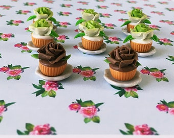 1 Miniature Rose Cupcake On A Pretty Little Plate/Lime/Dollhouse/Fairy Garden