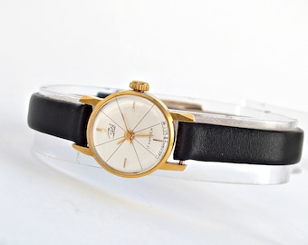 Vintage Ladie's Watch Zaria Dawn 17 Jewels. Small Gold Plated Womens Wrist Watch. Retro Style Watch for Women. Ladies Watch, Leather Strap.
